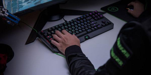 Razer lance le clavier BlackWidow Tournament Edition Chroma V2 !