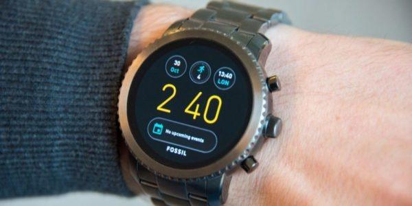 Fossil Group dévoile une étude sur le marché des montres connectées hybrides !